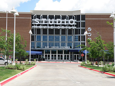 the new studio movie grill is located at town center of colleyville